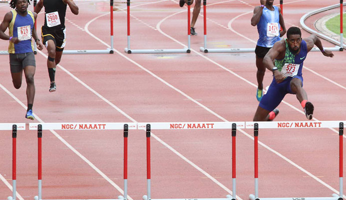 Jereem edges Greaux in 200m showdown